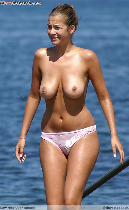 Hot nude women and nude beaches to enjoy them at. Do I Love the Beach?